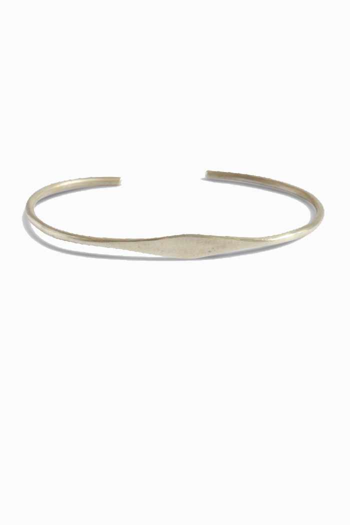 Duurzame armbanden_TING_zilver_closeup
