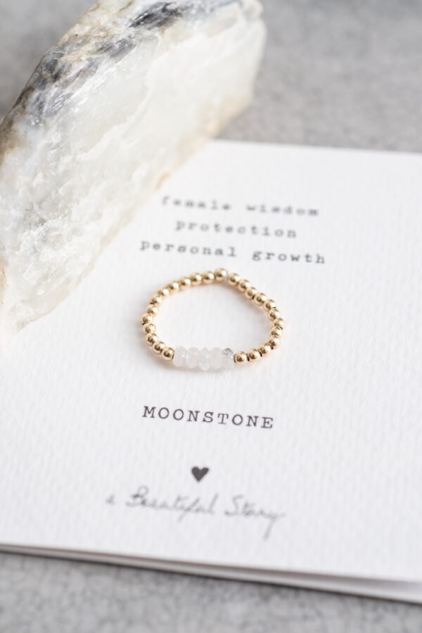 Ring A Beautiful Story_moonstone gold_steen