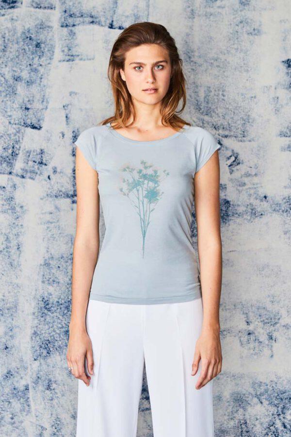 T-shirt Herberia_Paala_grijs groen_model