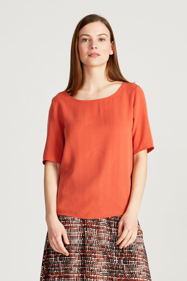 T-shirt_Isla_Givn_Oranje_closeup