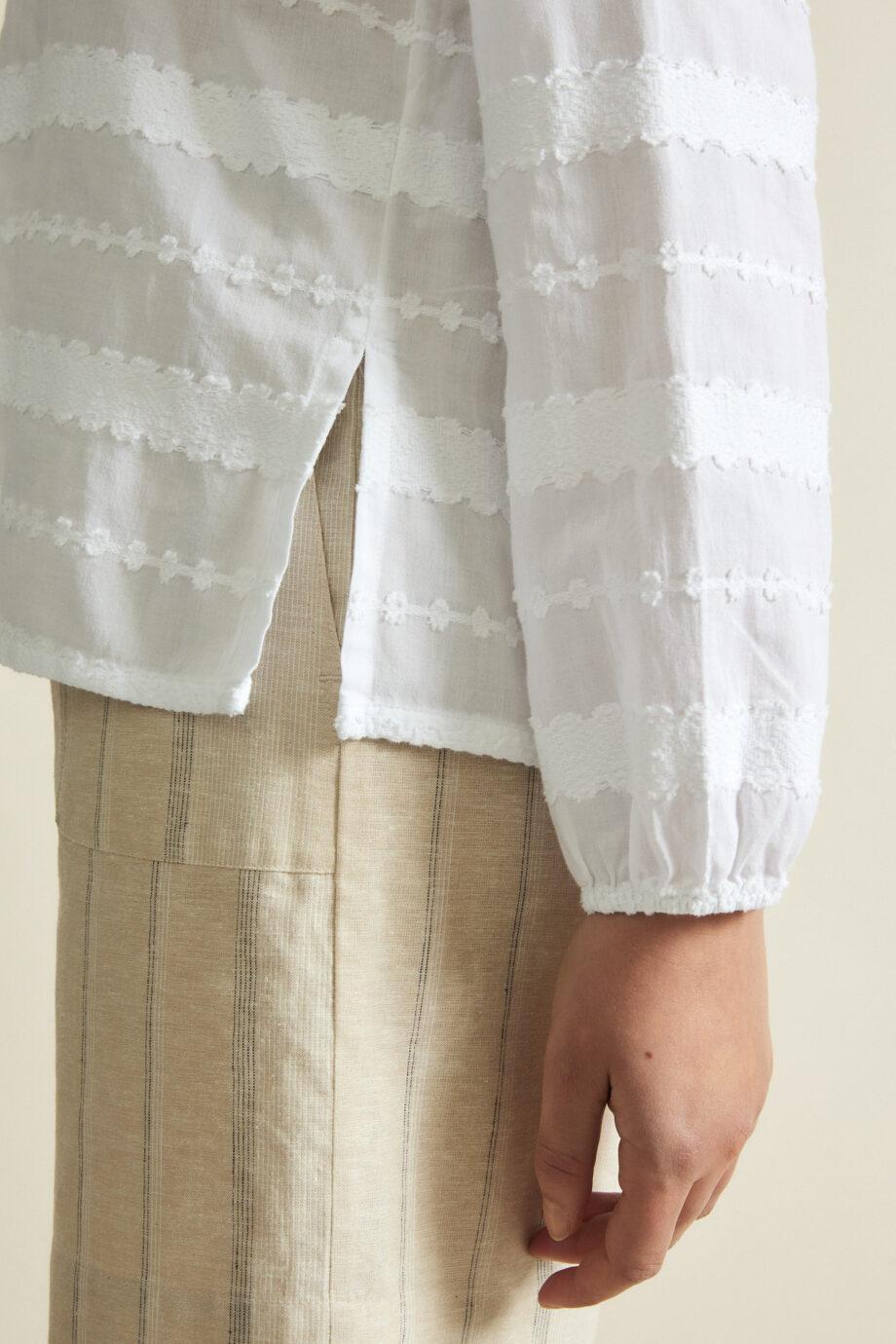 Lanius_Jaquard blouse_wit_detail