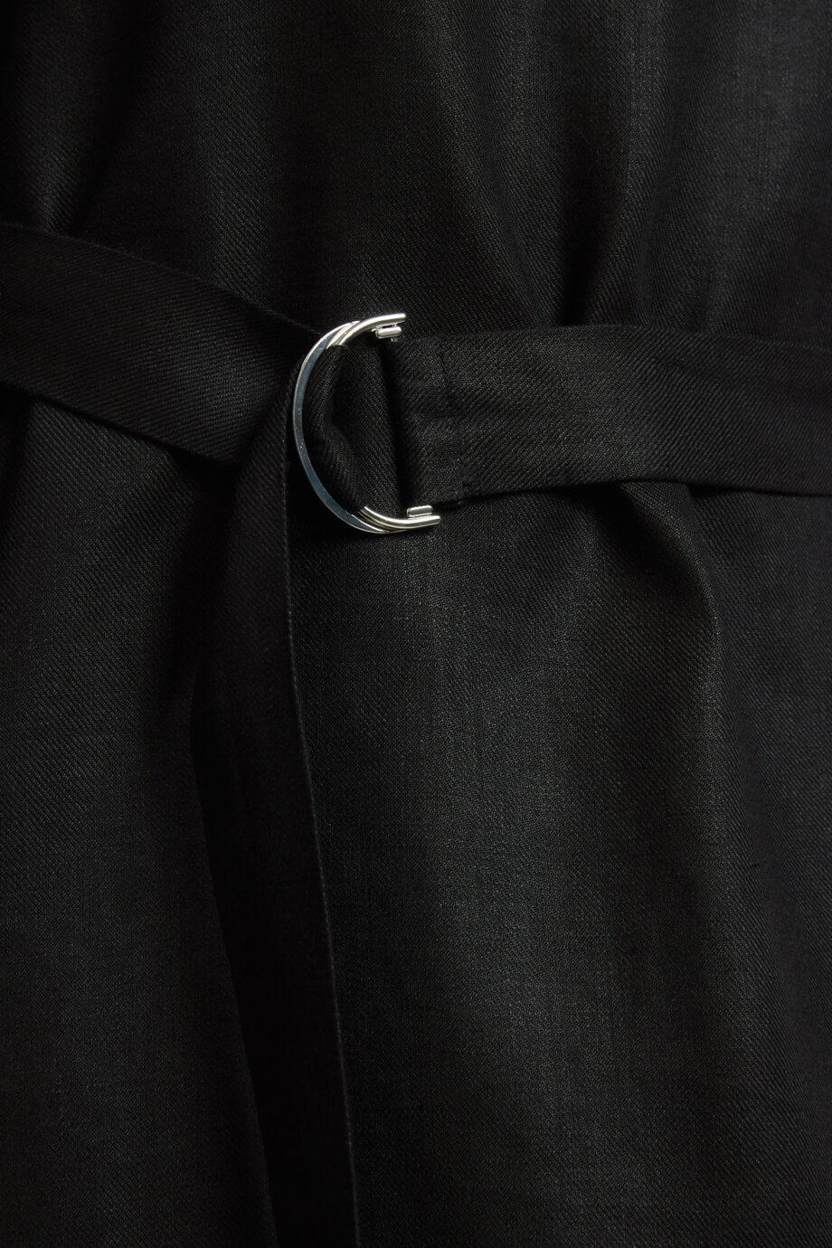 Lanius_Jurk met ceintuur_linnen zwart_detail
