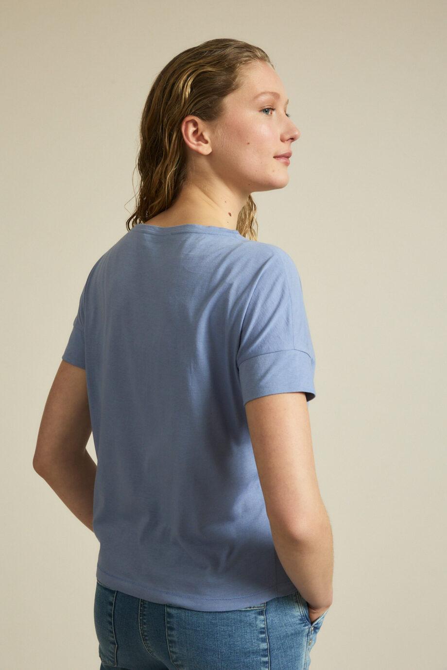 Lanius_Shirt Sky_lichtblauw_zij