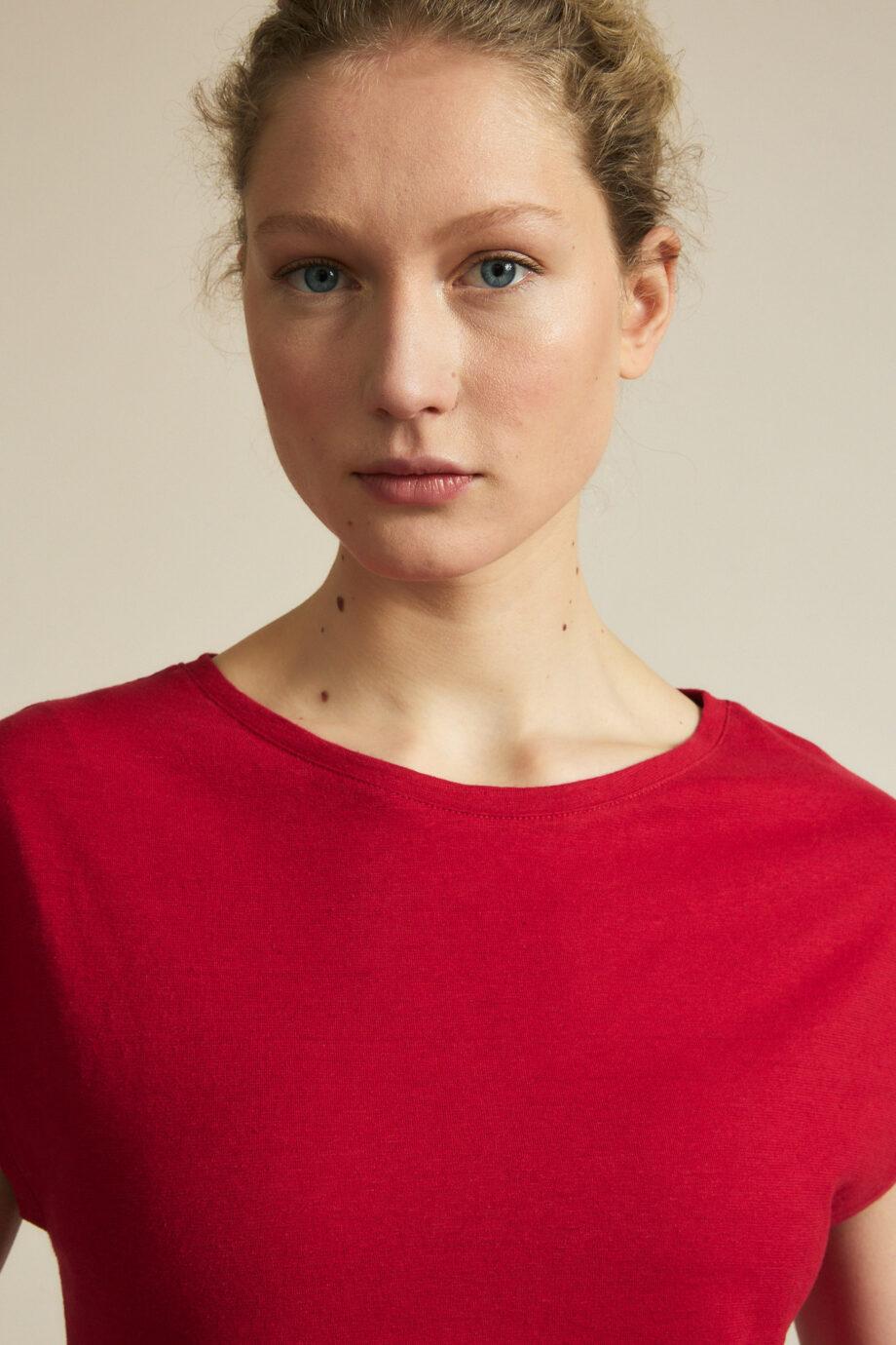 Lanius_Shirt doorlopende mouw_rood chili pepper_hals