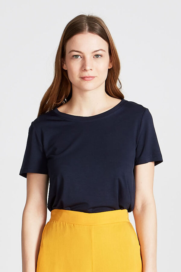 T-shirt_Lena_Givn_Blauw_model