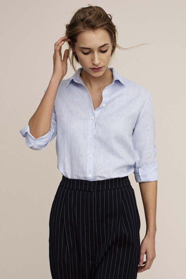 Arber Elm blouse lichtblauw_model
