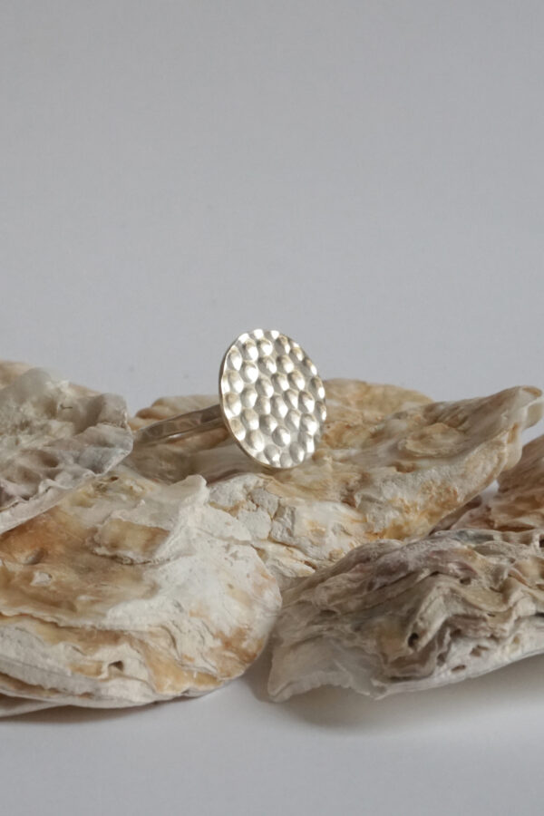 ting goods_ring hammered zilver_steen
