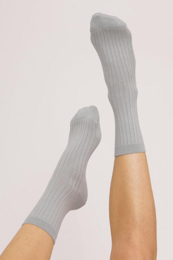 Organic Basics - Sokken Rib – lichtblauw_model